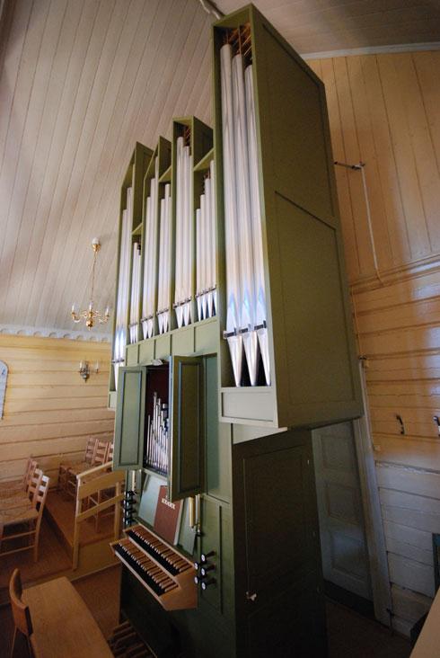 kjosekirke-orgel-01
